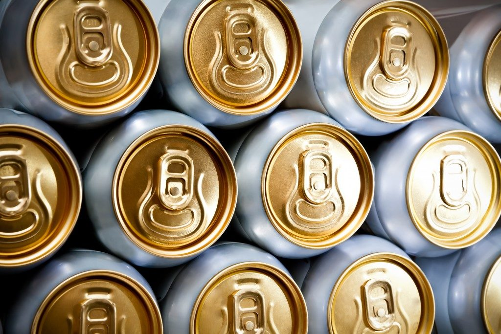 canned soda packaging